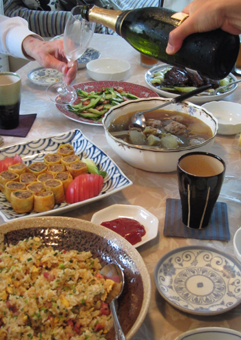 梶夫妻と料理2.jpg