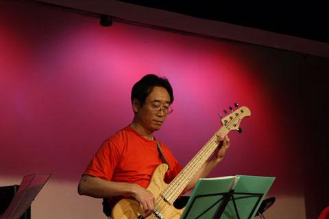 bass_yoko480.jpg