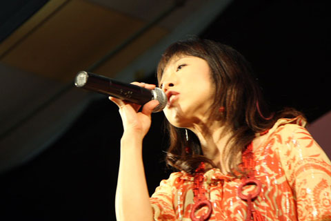 sue2_yoko480.jpg