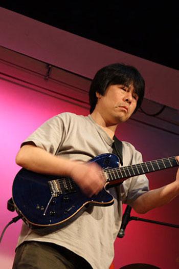 guitar_tate350.jpg